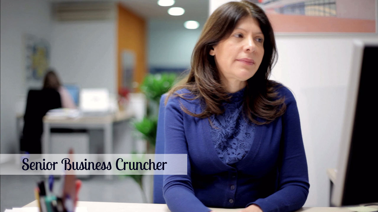 Reina Cáceres González - Senior Business Cruncher